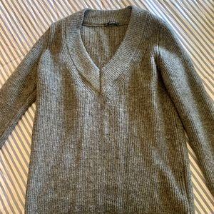 Oversized grey sweater! Zara!